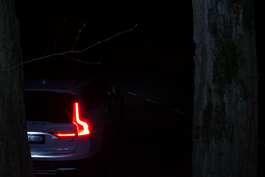 Volvo-V90-2-CC-lightpainting-02-03-3010